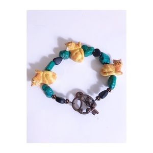 Jewelry - Unique cat charm bracelet
